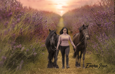 https://emmalowehorsephotography.co.uk/wp-content/uploads/2018/09/Elle-lady-dolly-multi-person-horse-photography.jpg
